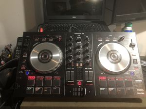 Pioneer DDJ Controller with 2 pre amped speaker's with stands for Sale in Essex, MD
