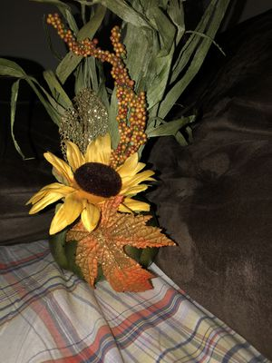 Sunflower decorations for Sale in Winder, GA