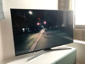 60 inch Smart tv for Sale in Detroit, MI