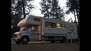 RV 32 ft Class C Great condition for Sale in Fresno, CA
