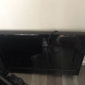 32 Inch tV for Sale in Los Angeles, CA
