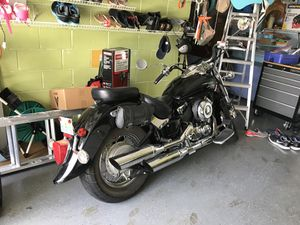 Motorcycle Yamaha V-Star 650 for Sale in Orlando, FL
