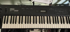 Yamaha music synthesizer SY22 with keyboard stand for Sale in Baltimore, MD