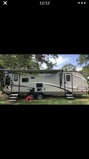 2018 Colman travel trailer 27ft for Sale in Boca Raton, FL