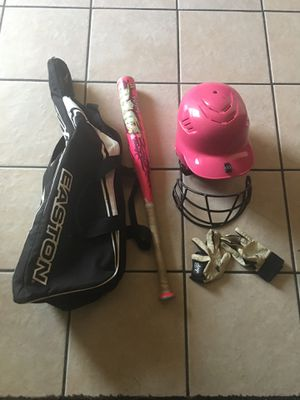 Softball Set (Helmet, gloves, bat, and bag) for Sale in Moreno Valley, CA