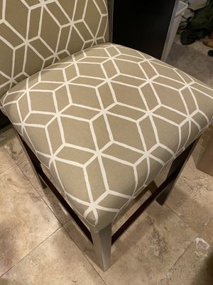 Set of 2 Beautiful Counter height Bar Stools for Sale in Bethel Park, PA