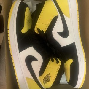 Air Jordan 1 Mid Size 13 for Sale in Orlando, FL