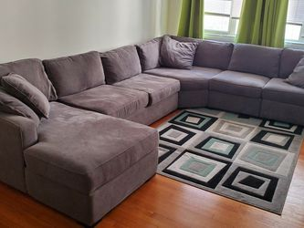 Big Sectional Sofa Couch!!! for Sale in Chicago,  IL
