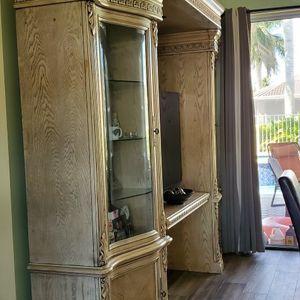 Hutch With Interior Lights for Sale in Boynton Beach, FL