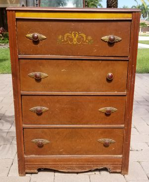 Antique tall dresser for Sale in Lake Worth, FL