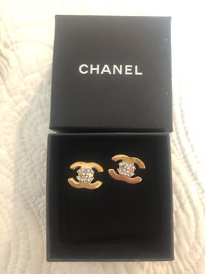 Chanel Cc logo gold plated and rhinestone studded earrings for Sale in Mercer Island, WA