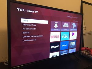 "smart TV 32 ""TCL in perfect condition has its control and everything for Sale in Millville, NJ"