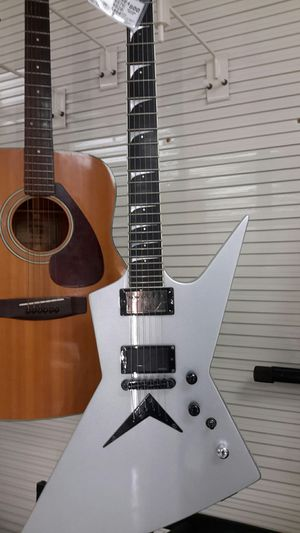 Dean electric guitar with case for Sale in Brandon, FL