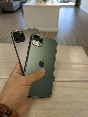 Apple iPhone 11 Pro Max 64GB Unlocked for Sale in Renton, WA