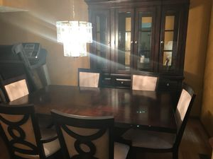 Dining table for Sale in Westerville, OH