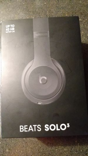 BEATS SOLO 3 BRAND NEW IN BOX $85 OBO MUST PICK UP for Sale in Lakewood, CO