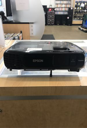 Epson projector for Sale in Chicago, IL