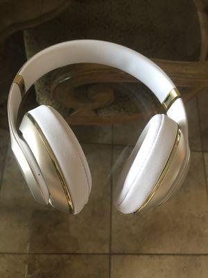 Beats By Dre Wireless Headphones Over Ear for Sale in Troy, MI