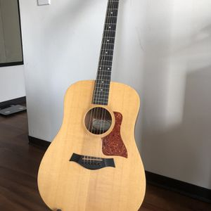 Taylor Big Baby Acoustic Guitar w/ Gig Bag & Extra Strings for Sale in Chicago, IL