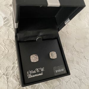 1/10Ct. T.W Diamond Earrings for Sale in Huntington Beach, CA