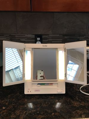 Vanity mirror for Sale in Sumner, WA