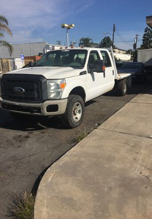 2011 Ford F-350 4 wheel drive crew cab for Sale in Stanton, CA