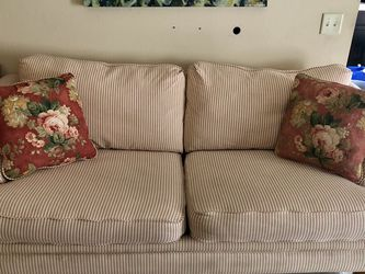 Used Couch / Sofa - Good Condition for Sale in Las Vegas,  NV