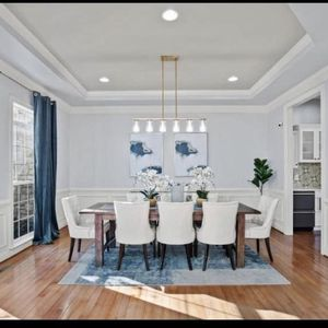 Beautiful Dining Room Set for Sale in Ashburn, VA