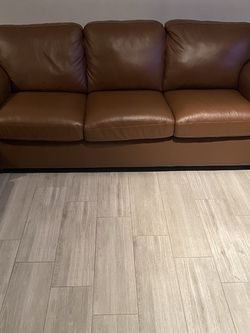 """100% Leather 82"""" Sofa with Queen Sleeper for Sale in Fort Lauderdale,  FL"""