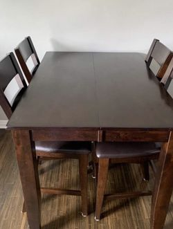 Dining Table With Chairs for Sale in La Mirada,  CA