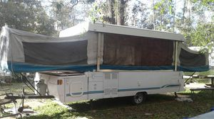 14 feet pop-up camper 2 beds with mattress no leaks obo for Sale in Kissimmee, FL