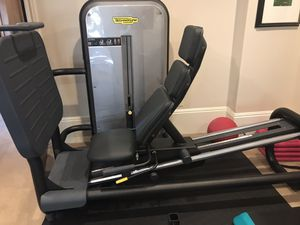 Technogym Element+ Leg Press Machine BRAND NEW for Sale in Rivergrove, OR