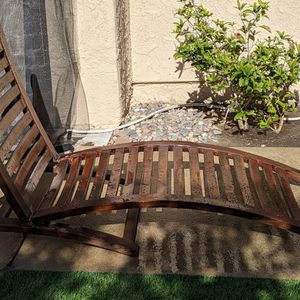 FREE Swimming Pool Side Lounge Chair for Sale in Irvine, CA