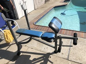 Bench press with weights for Sale in Whittier, CA