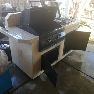ASADOR/BBQ Grill And Island Counter Top Cooker for Sale in Riverside, CA