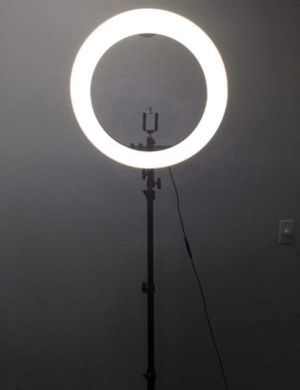 """19"""" Photography Dimmable Ring Light w/ Stand, Ball Head, Phone Holder for Sale in Chino, CA"""