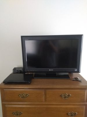 """Sony Bravia 26"""" HDTV + Sony DVD player for Sale in Marion, OH"""