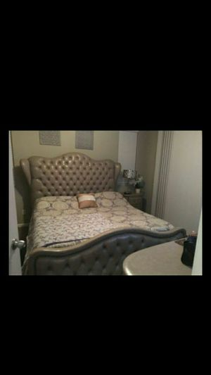 Cali king bedroom set for Sale in Madera, CA