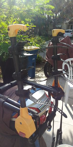 Bell bicycle rack for the car holds 3 bikes for Sale in Clearwater, FL
