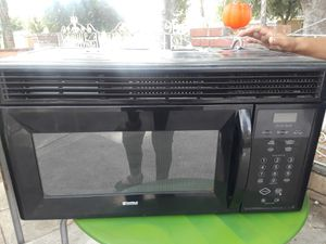 Microwave (Big) for Sale in Los Angeles, CA