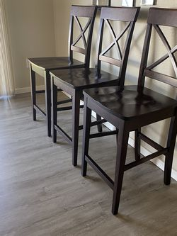 3 Barstool excellent condition 24 inches height for Sale in Maple Valley,  WA