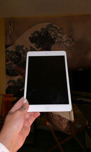 iPad Mini w/ Case for Sale in Nicholasville, KY