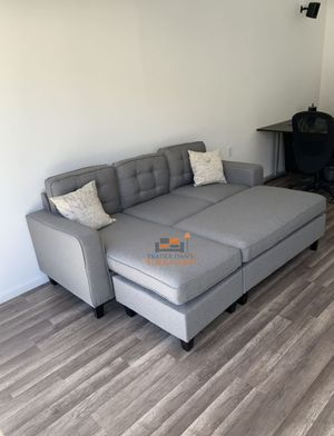 Brand new light grey sectional sofa with ottoman for Sale in Silver Spring, MD