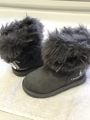 Toddler Girls Trolls Boots Size 6 for Sale in Pawtucket, RI