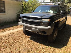 2002 Chevrolet Avalanche Z71 runs great 4WD cold AC for Sale in Crestview, FL