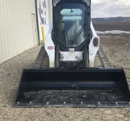 Like New Bobcat T770 Skid Steer 2016 for Sale in Seattle,  WA