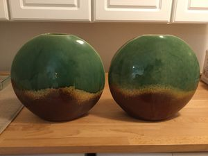 2 vases for Sale in Lacey, WA