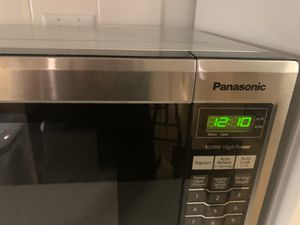 Panasonic microwave. for Sale in Los Angeles, CA
