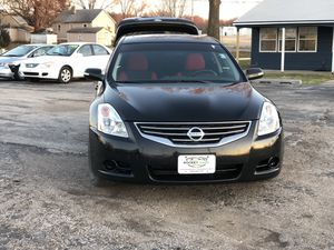 😍😍Nissan Altima 😍😍 for Sale in Des Moines, IA
