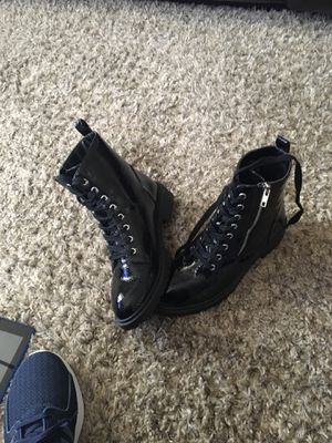 New combat boots/ new women's never worn for Sale in Hannibal, MO